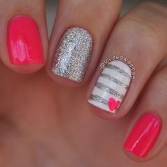 valentines-nails-silver-stripes-pink-heart