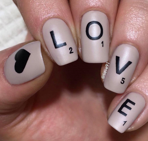 Nude love nails