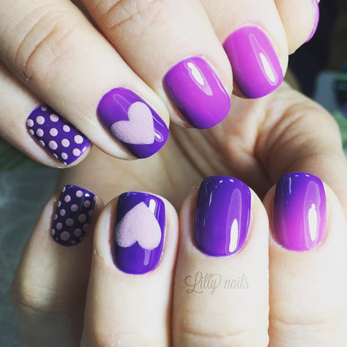 purple-lilac-thermo-nail-polish-with-pink-hearts