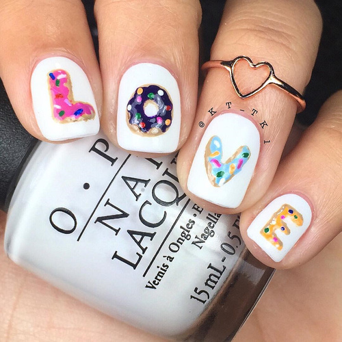 love-doughnut-nailart-for-valentines-day