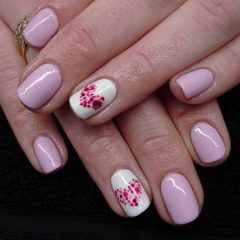 pink-nails-with-dotted-hearts