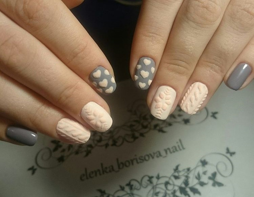 pink-and-grey-sweater-nails-with-hearts