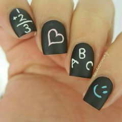 school-nailart-for-valentines-day