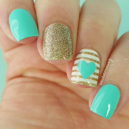 blue-turquoise-and-golden-nailart-with-stripes
