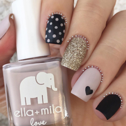 nude-black-and-golden-nails-with-dots-and-black-hearts