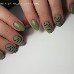 Matte Green Nails with Leaves