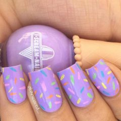 pastel-lily-easter-nails
