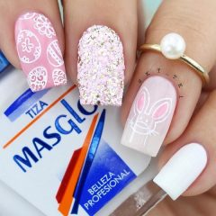 pink-glitter-easter-nails