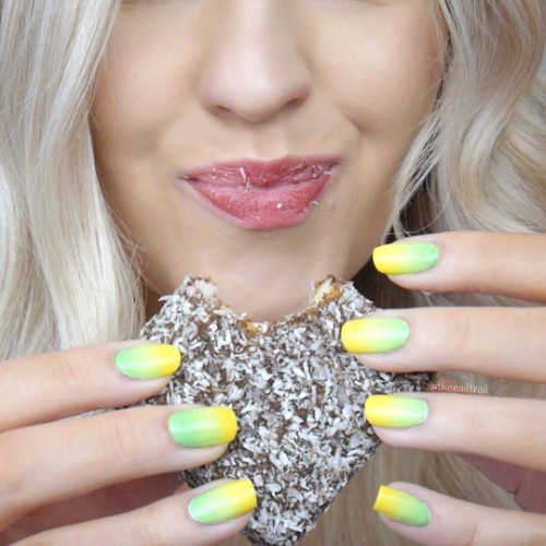 yellow-and-green-ombre-nails-for-summer