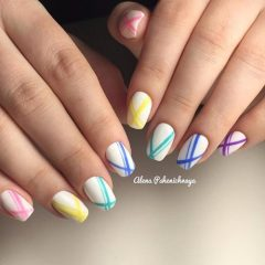 colorful-geometric-nails-for-hot-weather