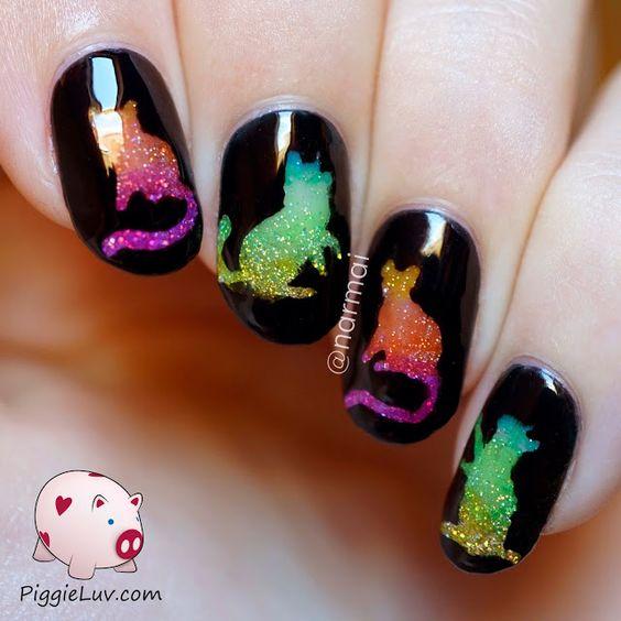 черные ногти с голографическими блестящими котами