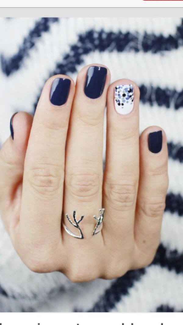 dark blue and white winter nail design