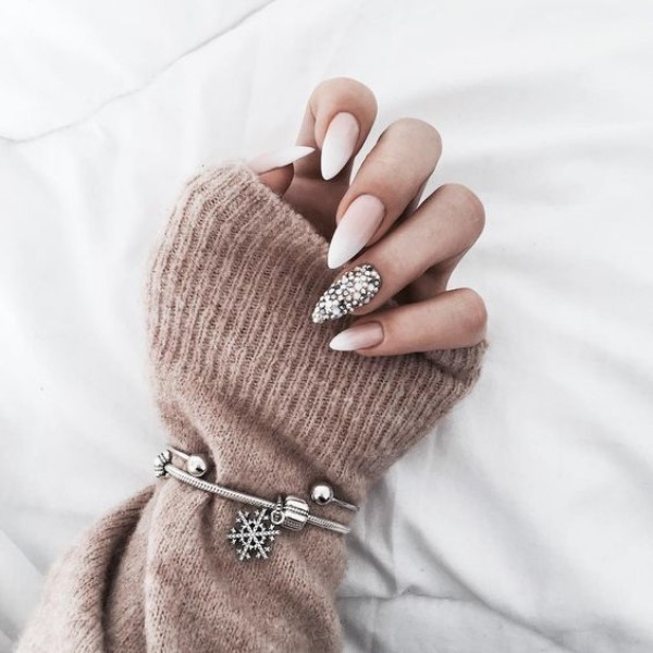 baby boomer stiletto winter nail design