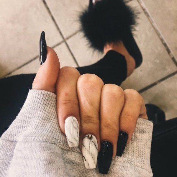 black and white marble manicure