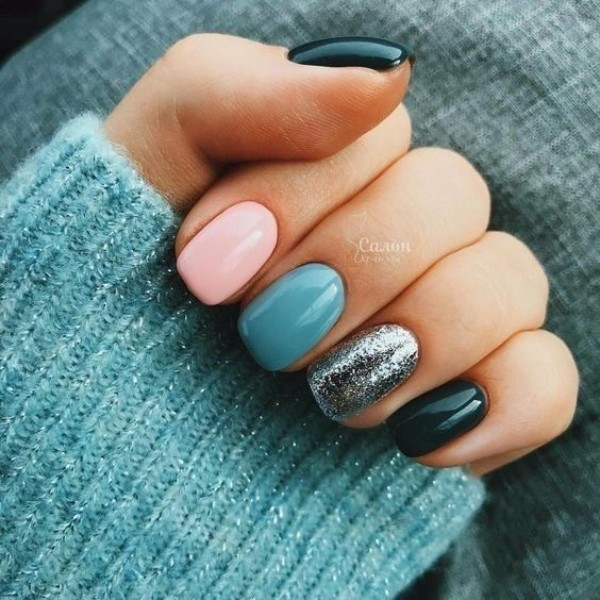 pastel blue, pink, and black nails for fall-winter season