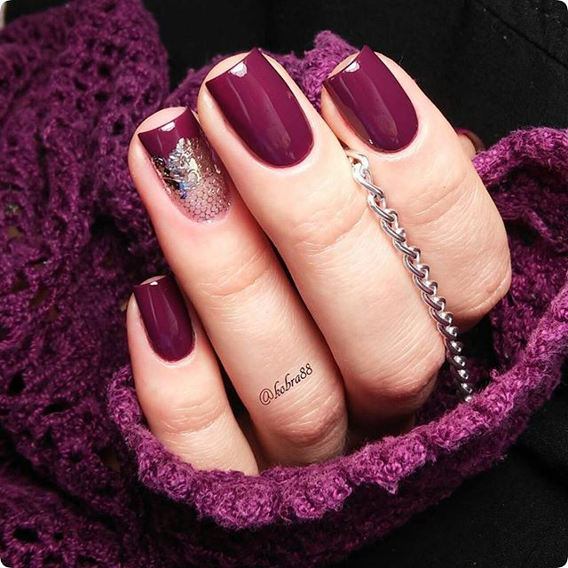 plum and wine red nails with glitter accent nail