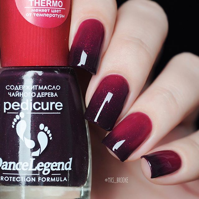 wine red ombre nails
