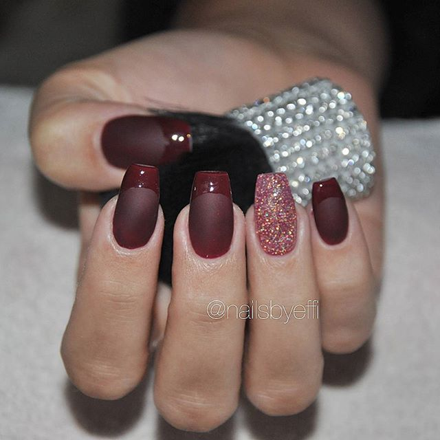 matte and glossy french nails and glitter accent nail