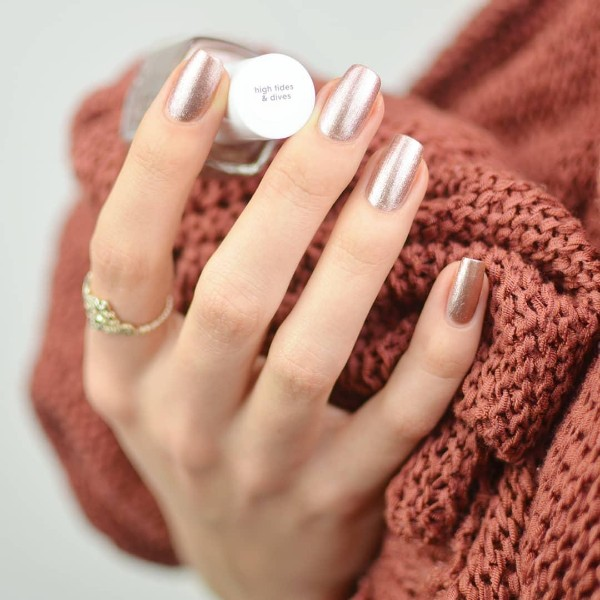 rose-gold sweater weather manicure