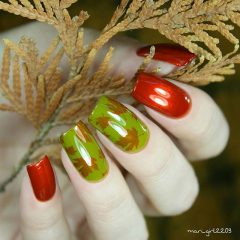 red and green nail design with leaves for fall