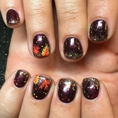 short nails with fall leaves