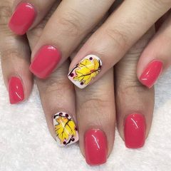 simple pink autumn nail design with leaves