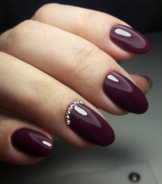 wine nails with rhinestones