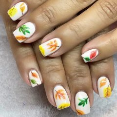 white fall nails with easy leaves