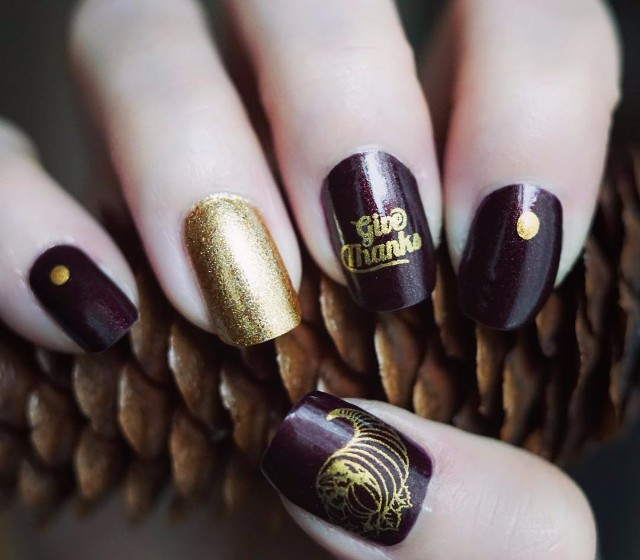 black-and-gold-thanksgiving-nail-art