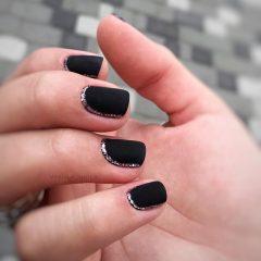 black and gold short hygge nails