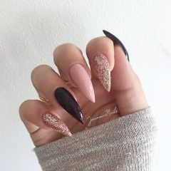 long acrylic nails black, nude and glitter
