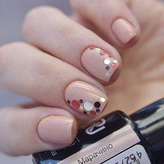 Light nude caramel nail design with