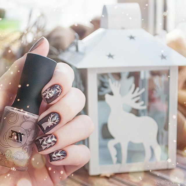 winter hygge nail design with dears