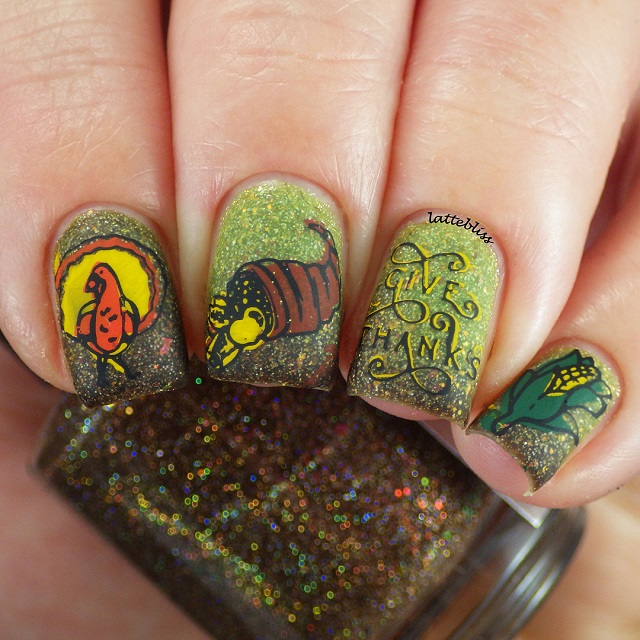 Give thanks greeen nail design for fall