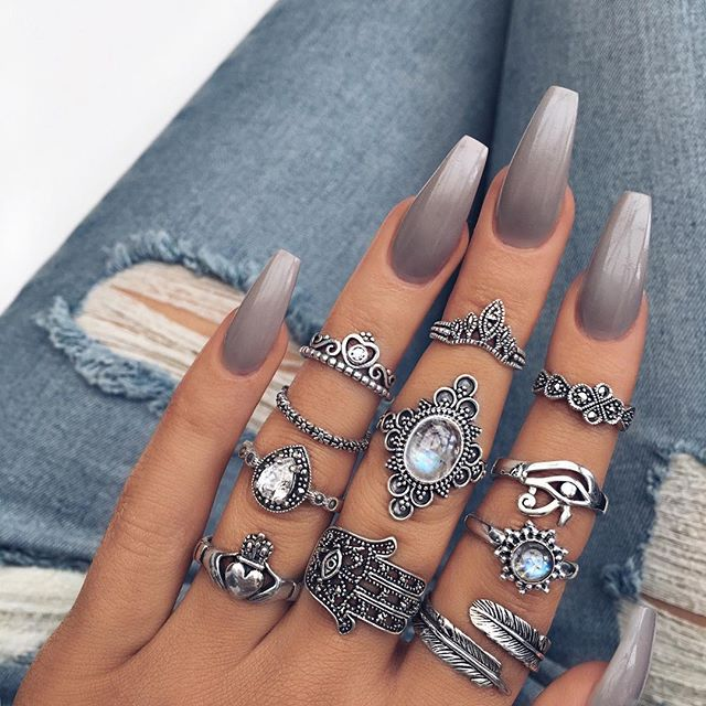 best grey hygge nail design