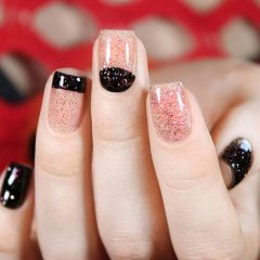 Black and pink nail design for hygge lovers