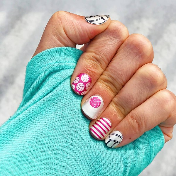 baseball-sporty-manicure