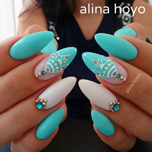 feminine-blue-and-white-matte-coachella-nails