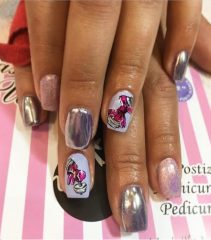 holo-nail-design-for-gym-with-dumbbells