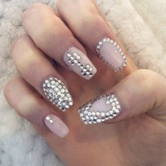 love-fitness-nails-with-rhinestones