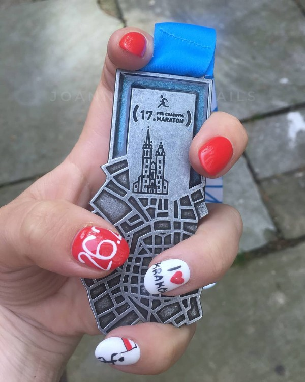 marathon-nail-design
