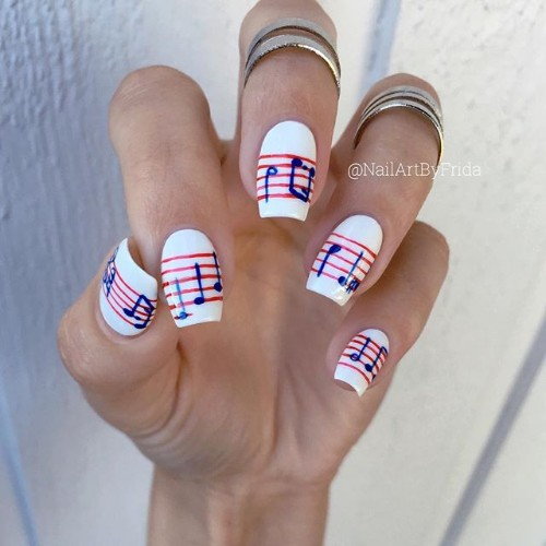 musical-notes-coachella-manicure