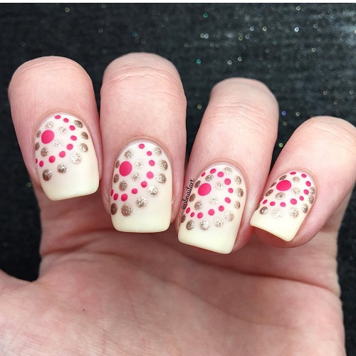nude-nail-design-with-dots-coachella