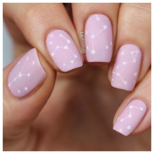 nude-romantic-coachella-nails-with-constellations
