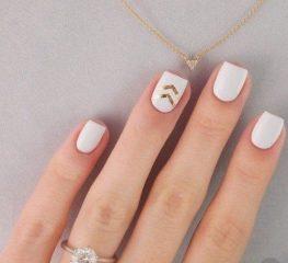 simple-coachella-nails-five-minute