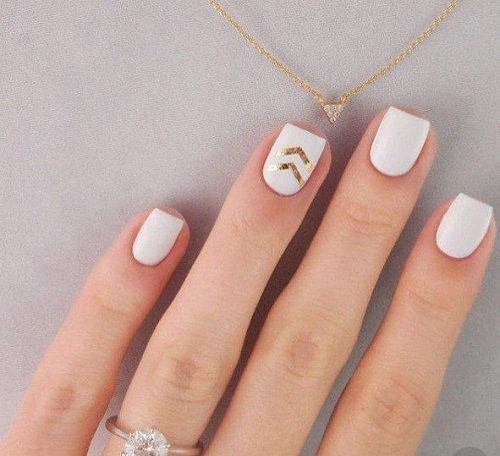 simple-coachella-nails-five-minute