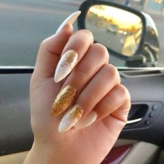 simple-coachella-nails-with-golden-glitter