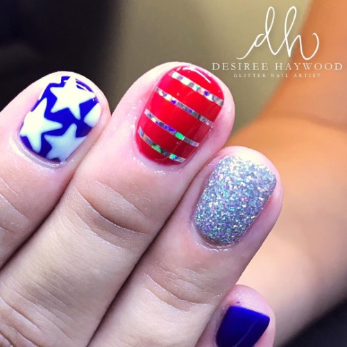 4th-of-july-nail-design-with-silver-stripes-tape