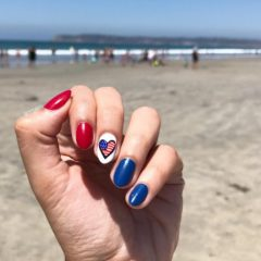 4th-of-july-nails-with-flag-in-heart