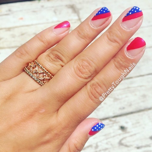 4th-of-july-nails-with-negative-space